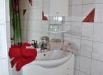 Wohnung Erdgeschoss - Badezimmer im Schlafzimmer mit separatem Eingang - © www.scheiflinger.co.at